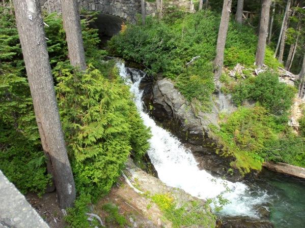 smallwaterfall100_0584
